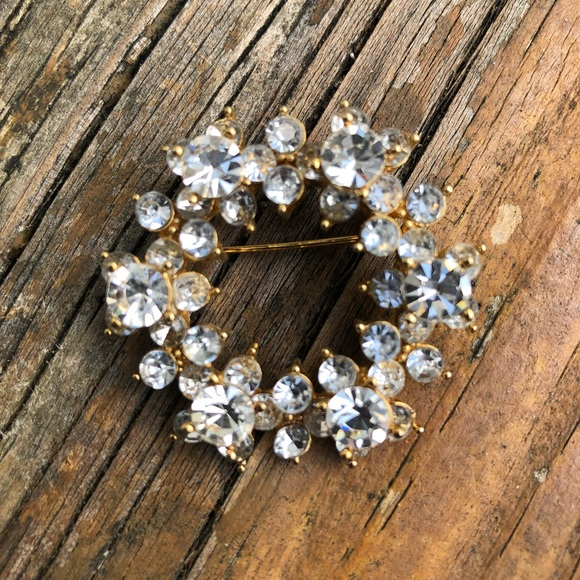 Large jeweled vintage brooch